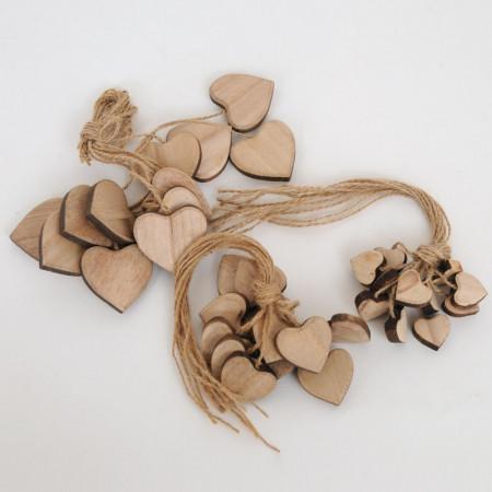 Cuori in legno naturale con cordino in juta