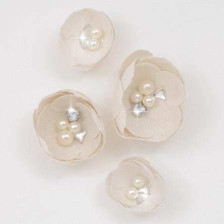 Boccioli di stoffa con perle e brillante e adesivo