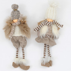 Bambino e bambina con pelliccia da appendere